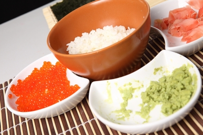Готовим суши роллы