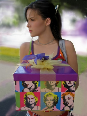Что подарить девочке