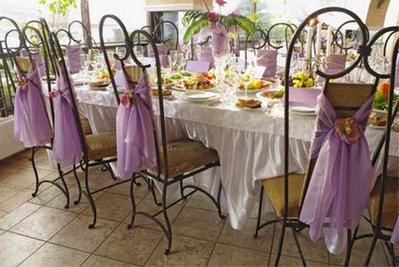 декор стульев тканью