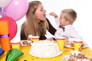 как порадобовать ребенка в день рождения
