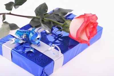 Сувениры в подарок любимому