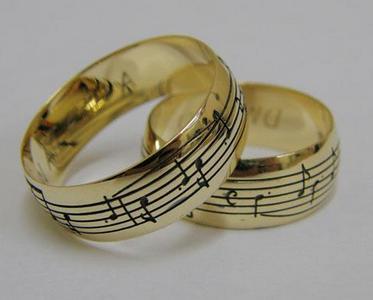 обручальные кольца с изюминкой