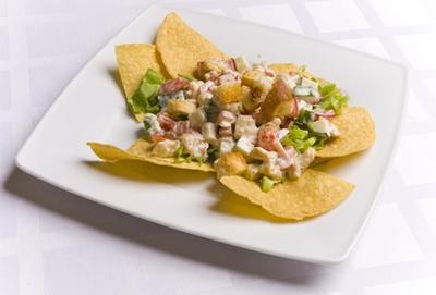 рецепты салатов с чипсами принглс