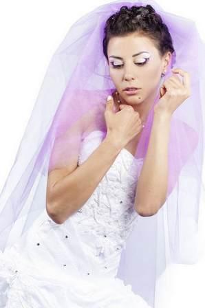 бело-сиреневый наряд невесты