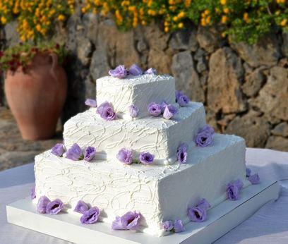 бело-фиолетовый торт