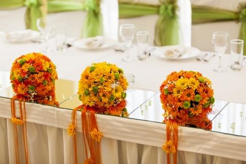 оранжевый декор для свадьбы