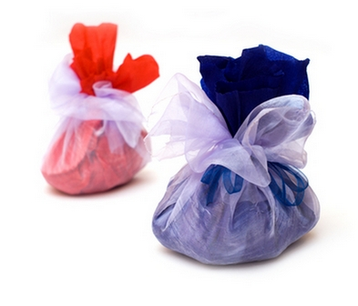 как завернуть подарок в ткань