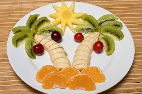 оригинальная подача фруктов