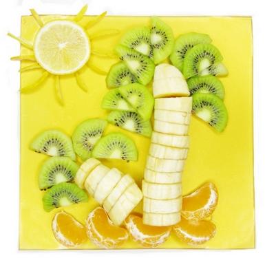оригинальная подача фруктов и ягод