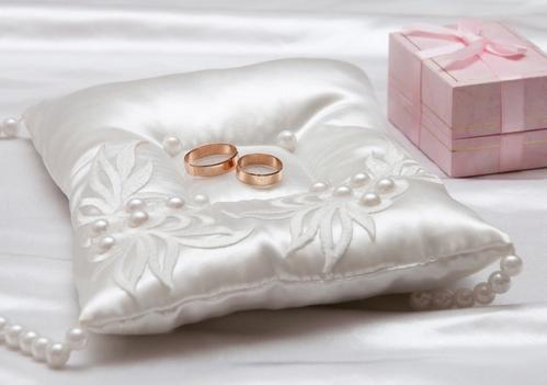 дизайн подушечки для колец